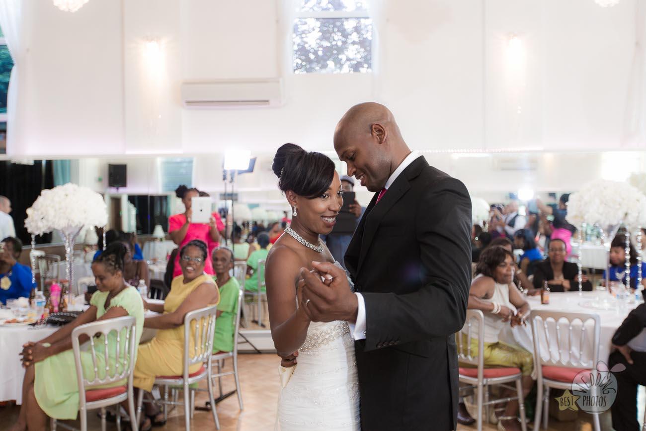 136_wedding_photographer_bromley_shari