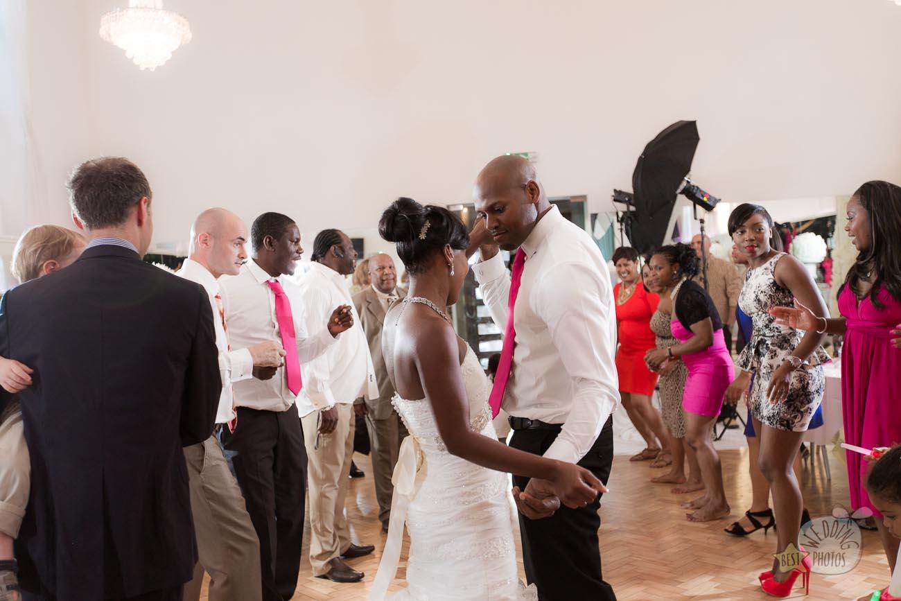 156_wedding_photographer_bromley_shari