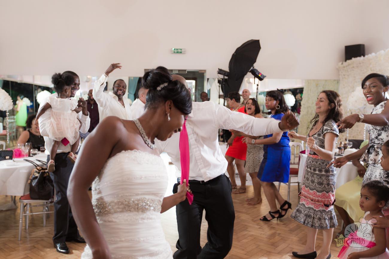 163_wedding_photographer_bromley_shari
